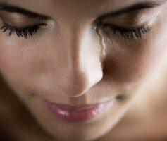 Estudo Revela: Chorar pode faze-lo perder peso, e veja o melhor horário para Chorar
